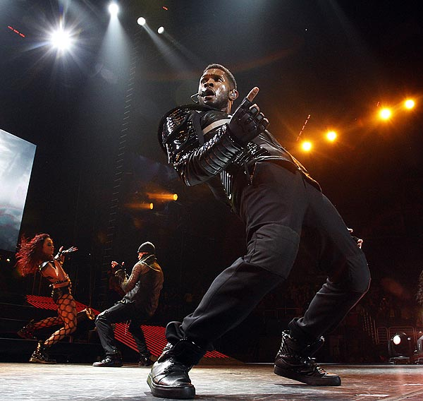 Usher (Luis Sinco / Los Angeles Times)